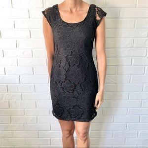 Black lace crochet bodycon cap sleeve mini dress M